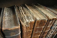 800px-old_book_bindings1