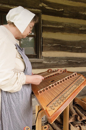Hammered_Dulcimer_of_America2